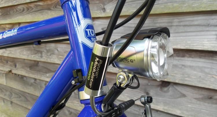 Fahrrad Frontscheinwerfer von Busch und Müller Lumotec IQ Cyo in silber