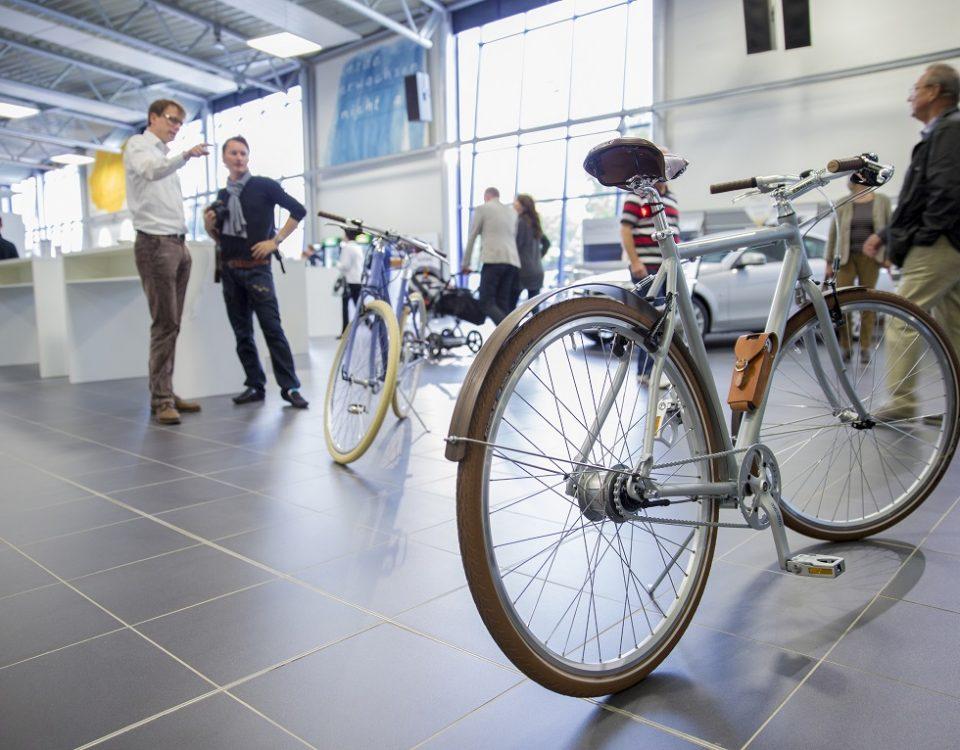 F-Klasse Mercedes Fahrrad in silber mit Holzschutzblechen und edler Lederausstattung